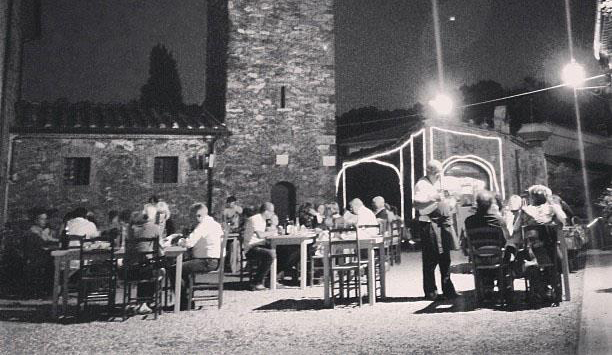 dinner in piazza